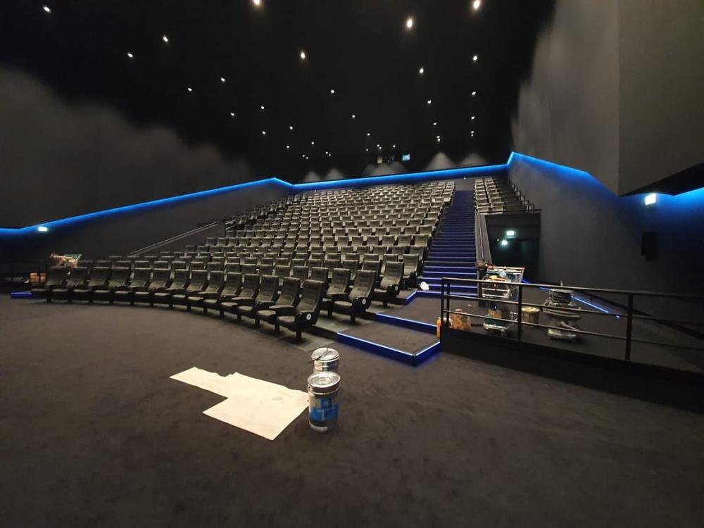 polaganje PVC poda, polaganje tepisona, montaža kino stolica